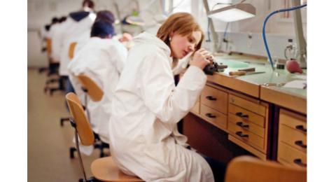 Le CFC d'horloger fait partie de la dizaine de formations proposées par l'École d'horlogerie.