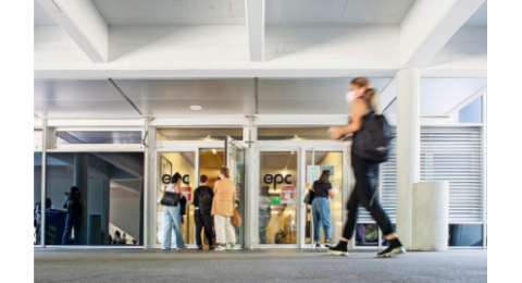Cette année, comme à la rentrée 2020, plusieurs cantons – dont Vaud et Genève – ont mis en place des mesures pour soutenir l'apprentissage (ici l'École professionnelle commerciale de Lausanne).
